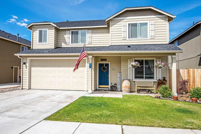 20360 SE Lois Way, Bend, OR 97702 (MLS #220124762) :: Bend Homes Now