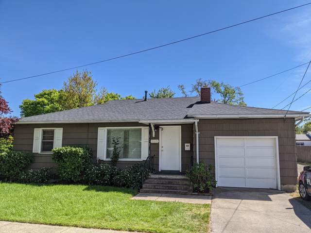 1319 W Eighth Street, Medford, OR 97501 (MLS #220124794) :: Bend Homes Now