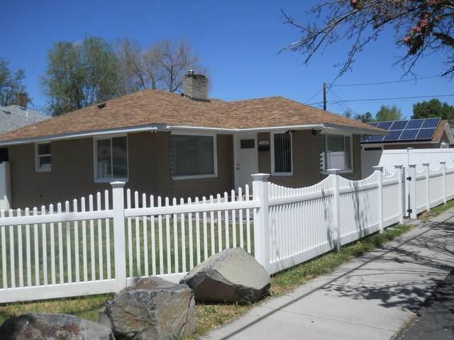 2361 Eberlein Avenue, Klamath Falls, OR 97601 (MLS #220124799) :: Vianet Realty