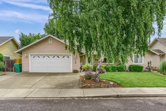 1679 Nunnwood Lane, Grants Pass, OR 97527 (MLS #220124804) :: Bend Homes Now