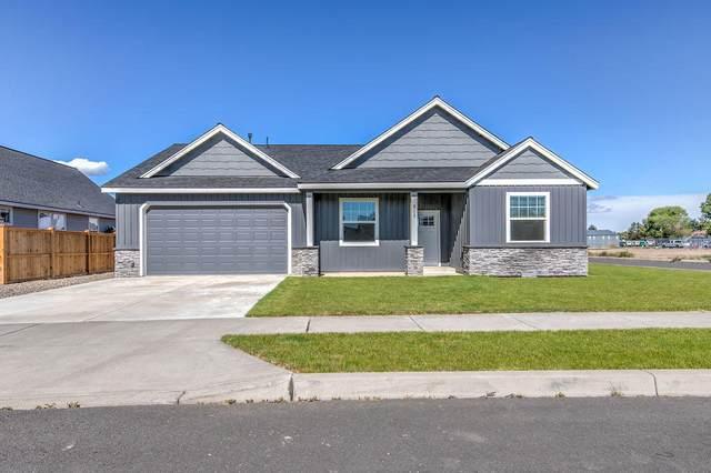 317 SE Pioneer Drive, Prineville, OR 97754 (MLS #220124814) :: Chris Scott, Central Oregon Valley Brokers