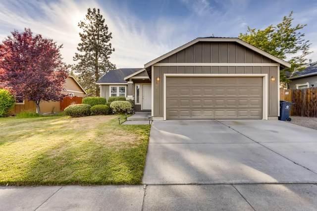 20032 Mount Hope Lane, Bend, OR 97702 (MLS #220124821) :: Bend Homes Now