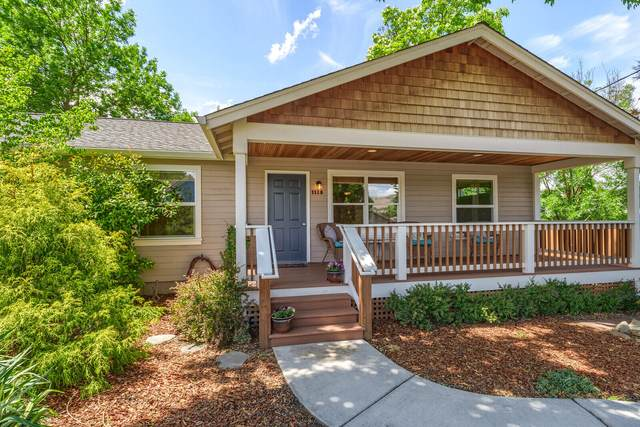 1115 Oak Street, Ashland, OR 97520 (MLS #220124823) :: Berkshire Hathaway HomeServices Northwest Real Estate