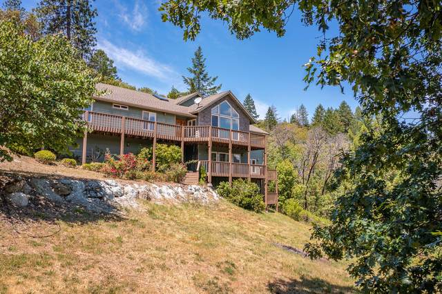 590 Jess Way, Grants Pass, OR 97526 (MLS #220124857) :: The Ladd Group