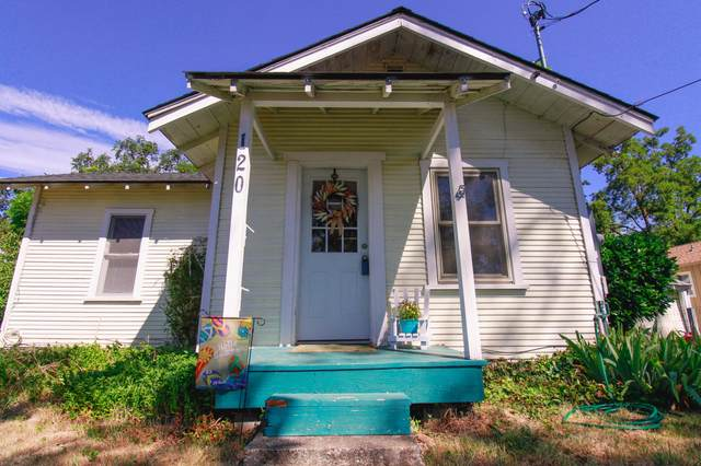 120 S Shasta Avenue, Eagle Point, OR 97524 (MLS #220124860) :: FORD REAL ESTATE