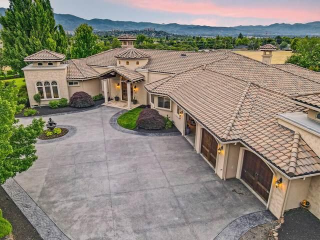 735 N Phoenix Road, Medford, OR 97504 (MLS #220124879) :: Berkshire Hathaway HomeServices Northwest Real Estate
