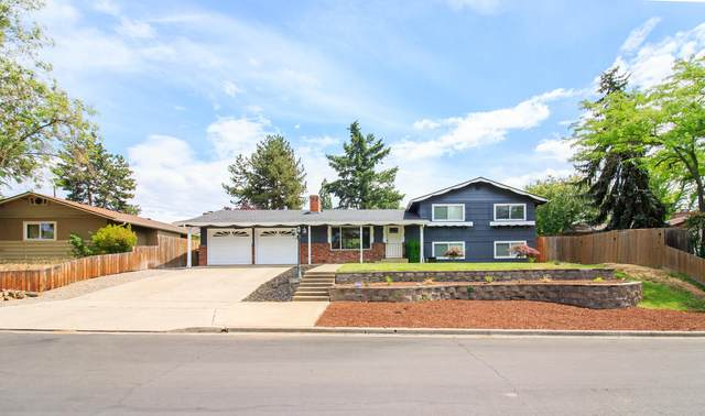 1913 Crestbrook Road, Medford, OR 97504 (MLS #220124883) :: Premiere Property Group, LLC