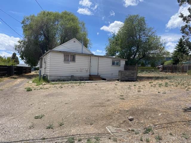 3160 SW Volcano Avenue, Redmond, OR 97756 (MLS #220124891) :: Bend Relo at Fred Real Estate Group