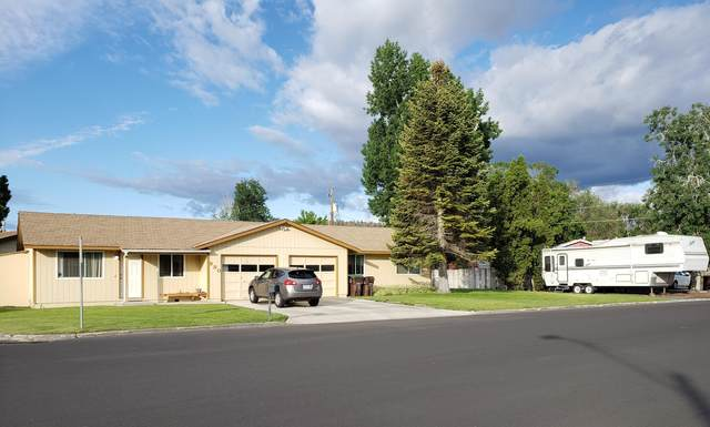990 SE 5th Street, Prineville, OR 97754 (MLS #220124916) :: Bend Relo at Fred Real Estate Group