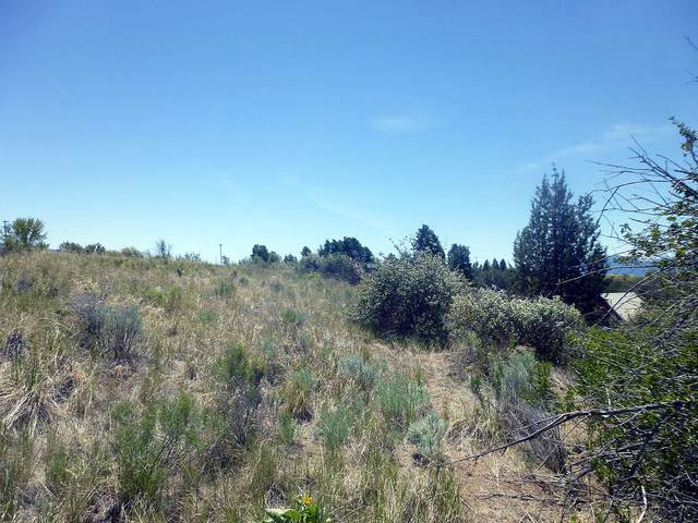 3 Oregon Shores Drive, Chiloquin, OR 97624 (MLS #220124923) :: Berkshire Hathaway HomeServices Northwest Real Estate