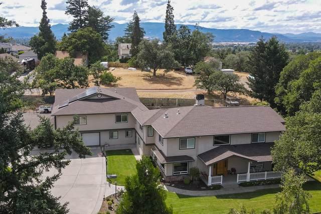 1585 Ridge Way, Medford, OR 97504 (MLS #220124928) :: Berkshire Hathaway HomeServices Northwest Real Estate