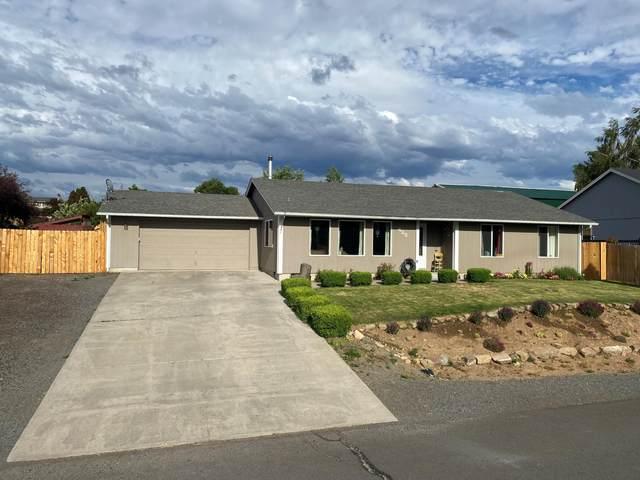 422 E Lakeshore Drive, Culver, OR 97734 (MLS #220124938) :: Team Birtola | High Desert Realty