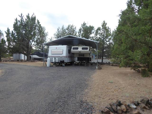 6638 SW Coyote Drive, Culver, OR 97734 (MLS #220124956) :: Bend Relo at Fred Real Estate Group