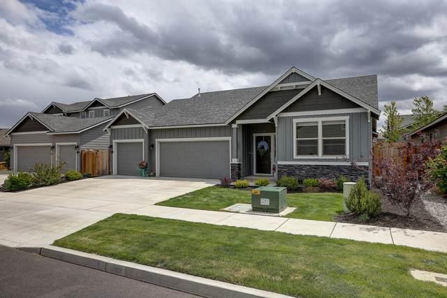 2863 NE Hope Drive, Bend, OR 97701 (MLS #220124966) :: Schaake Capital Group