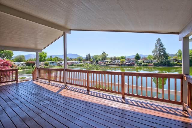 159 Kingsley Drive, Grants Pass, OR 97526 (MLS #220124980) :: Chris Scott, Central Oregon Valley Brokers