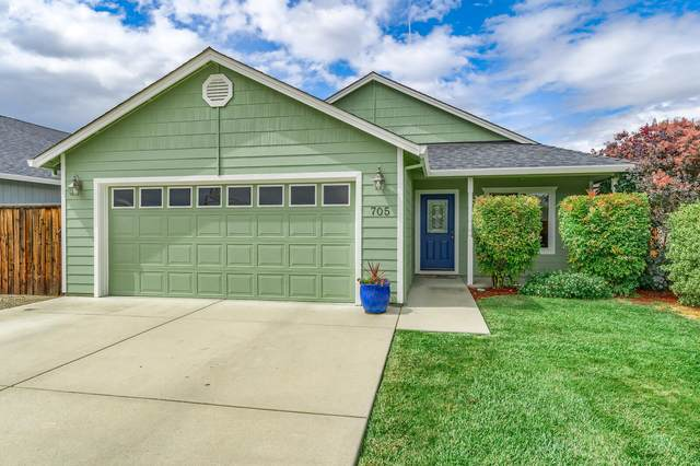 705 Midway Road, Medford, OR 97501 (MLS #220124985) :: Coldwell Banker Sun Country Realty, Inc.