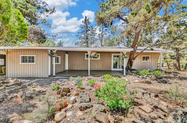 63761 Scenic Drive, Bend, OR 97703 (MLS #220125001) :: Berkshire Hathaway HomeServices Northwest Real Estate