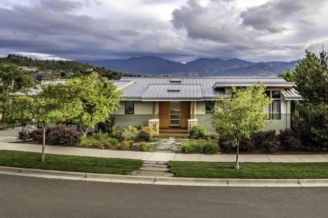 4230 Falcon Ridge Terrace, Medford, OR 97504 (MLS #220125007) :: Berkshire Hathaway HomeServices Northwest Real Estate