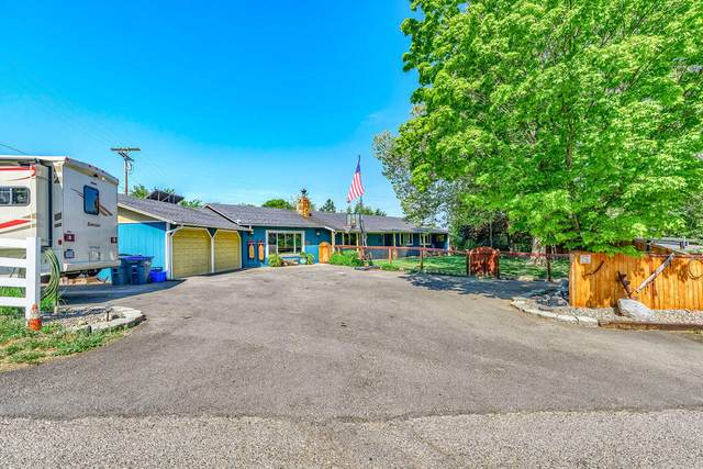 2520 E Main Street, Ashland, OR 97520 (MLS #220125026) :: Keller Williams Realty Central Oregon