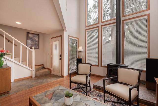 2151 NW Hill Street #5, Bend, OR 97703 (MLS #220125035) :: Coldwell Banker Bain