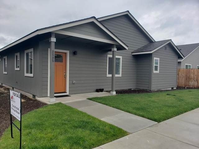2505 NE Colleen Road, Prineville, OR 97754 (MLS #220125045) :: Coldwell Banker Sun Country Realty, Inc.