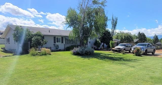 1636 Brookdale Avenue, Medford, OR 97504 (MLS #220125085) :: Premiere Property Group, LLC