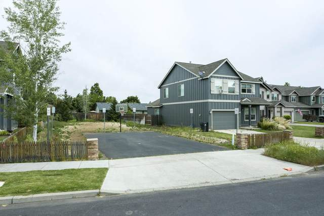 21164 SE Philly Avenue, Bend, OR 97702 (MLS #220125097) :: The Bifano Home Team