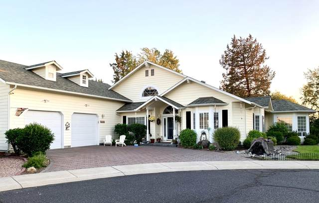 4470 SW Trevino Court, Redmond, OR 97756 (MLS #220125139) :: The Ladd Group