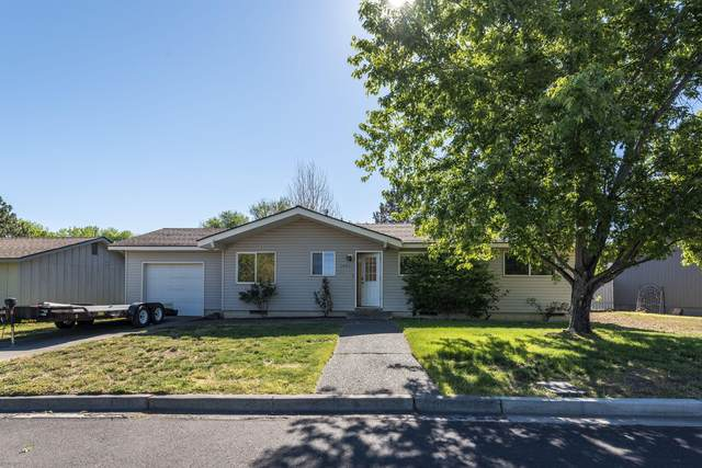 1440 NW Canyon Drive, Redmond, OR 97756 (MLS #220125145) :: Coldwell Banker Sun Country Realty, Inc.