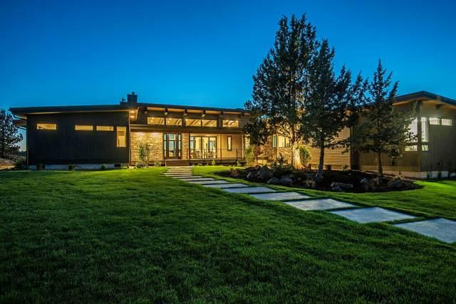 61145 Ward Road, Bend, OR 97702 (MLS #220125152) :: Berkshire Hathaway HomeServices Northwest Real Estate