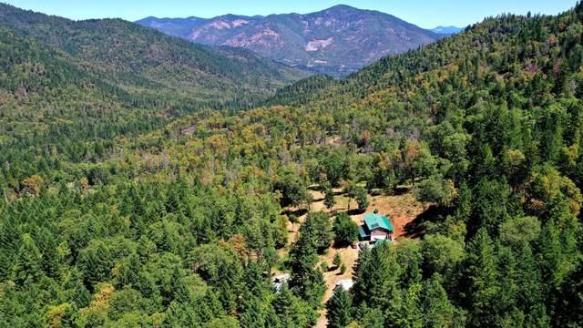 1762 Savage Creek Road, Grants Pass, OR 97527 (MLS #220125153) :: Chris Scott, Central Oregon Valley Brokers