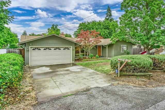 1871 S Peach Street, Medford, OR 97501 (MLS #220125174) :: Chris Scott, Central Oregon Valley Brokers