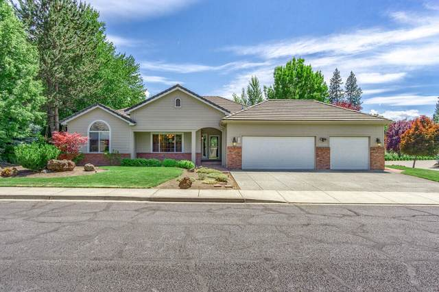 147 Princeville Drive, Eagle Point, OR 97524 (MLS #220125182) :: FORD REAL ESTATE