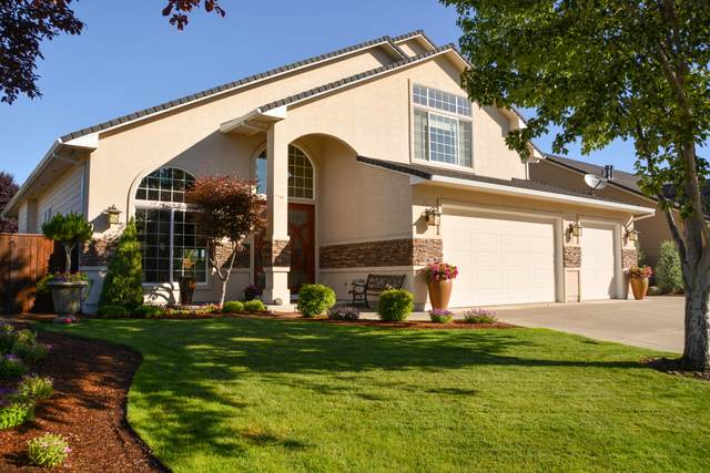 77 Pebble Creek Drive, Eagle Point, OR 97524 (MLS #220125184) :: FORD REAL ESTATE