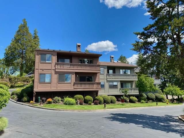 304 Medford Heights Lane, Medford, OR 97504 (MLS #220125187) :: Premiere Property Group, LLC