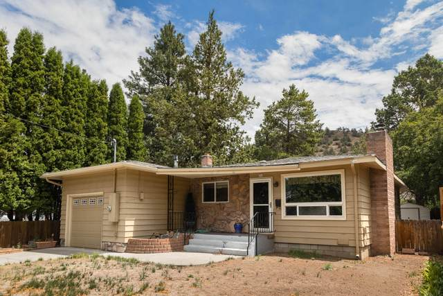 844 NE 11th Street, Bend, OR 97701 (MLS #220125219) :: The Riley Group