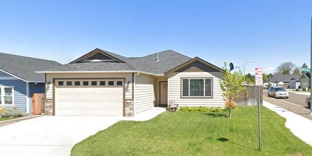 811 Danville Lane, Medford, OR 97501 (MLS #220125268) :: Chris Scott, Central Oregon Valley Brokers