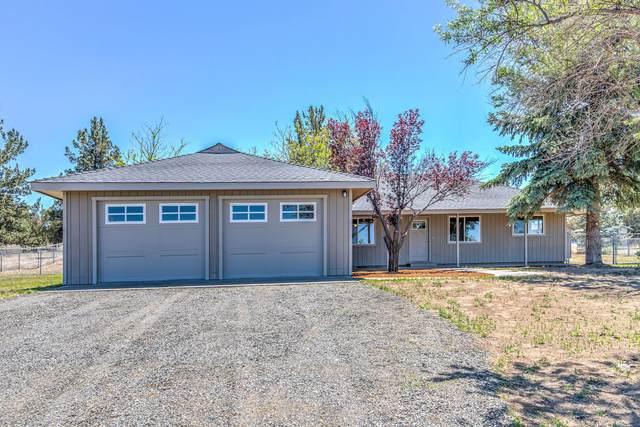 5501 SE Sioux Loop, Prineville, OR 97754 (MLS #220125309) :: Team Birtola | High Desert Realty