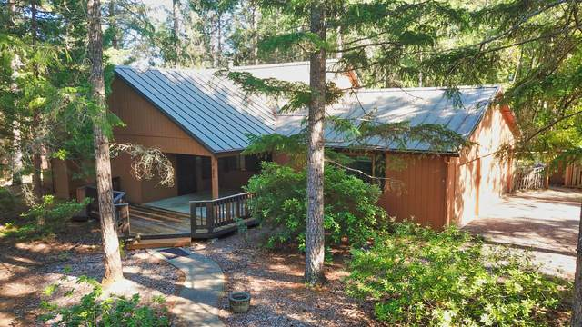 251 Northwoods Drive, Merlin, OR 97532 (MLS #220125357) :: The Riley Group