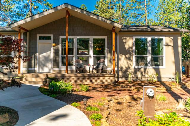 60909 Mcmullin Drive, Bend, OR 97702 (MLS #220125397) :: Arends Realty Group