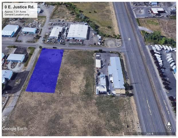 1 E Justice Road, Medford, OR 97502 (MLS #220125427) :: FORD REAL ESTATE
