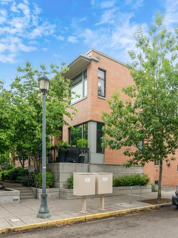 1666 NW Riverscape Street, Portland, OR 97209 (MLS #220125447) :: Coldwell Banker Bain