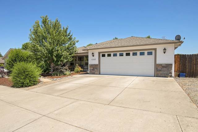 1343 Andrew Drive, Medford, OR 97501 (MLS #220125522) :: Coldwell Banker Bain
