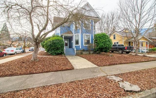 770 Iowa Street, Ashland, OR 97520 (MLS #220125531) :: The Ladd Group