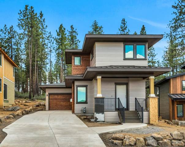 61136 SW Beverly Way, Bend, OR 97702 (MLS #220125539) :: Coldwell Banker Bain