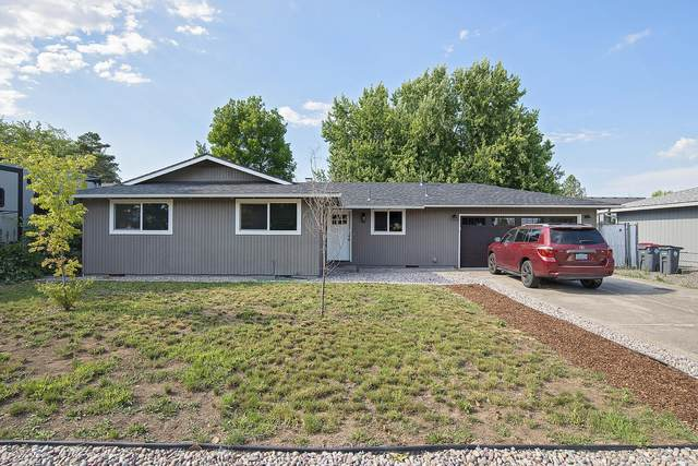 2411 Delta Waters Road, Medford, OR 97504 (MLS #220125546) :: Coldwell Banker Bain