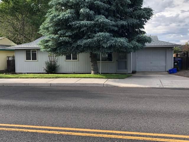 3257 SW Quartz Avenue, Redmond, OR 97756 (MLS #220125568) :: Stellar Realty Northwest