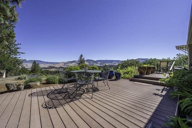 2262 Old Hwy 99, Ashland, OR 97520 (MLS #220125570) :: Coldwell Banker Bain