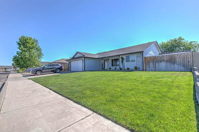 2235 NE Cherry Loop, Prineville, OR 97754 (MLS #220125651) :: Fred Real Estate Group of Central Oregon