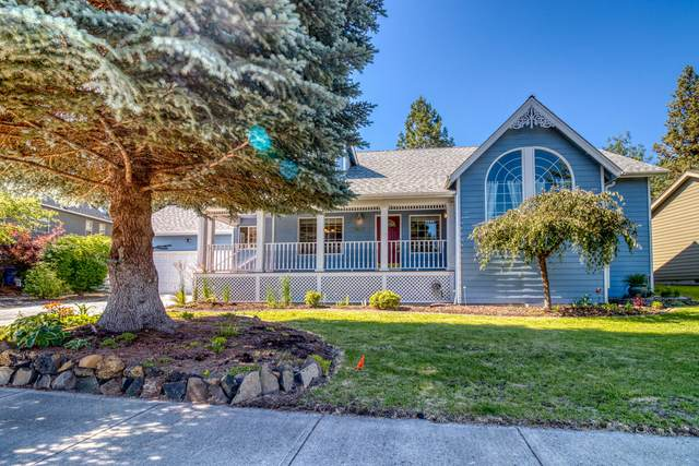 1909 SE Autumnwood Court, Bend, OR 97702 (MLS #220125667) :: The Riley Group
